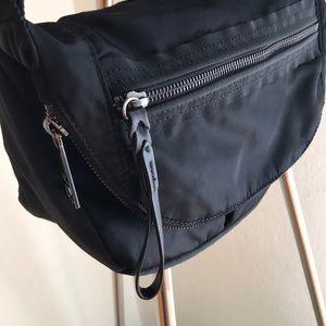 Lululemon Festival II crossbody bag in black